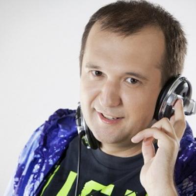 Roberts Lejasmeijers DJ Sveix and Various Meitenes Nāc Manā Pasaulē
